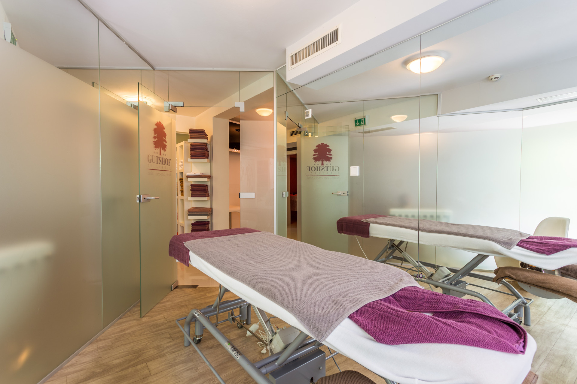 Massage room, Gutshof Zillertal Hotel (photo)